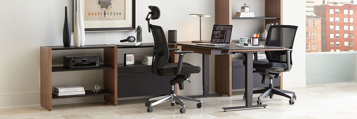 The BDi Semblance Modular Modern Office Collection allows you to combine inline and peninsula desk components with adjustable shelves, cabinets, or other BDI collections to create a compact home office or expanded professional workspace.